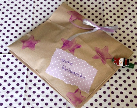 Geschenke verpacken mit Biomülltüten