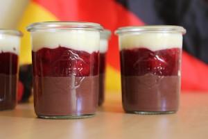 Schoko-Kirsch-Vanille-Dessert zur WM