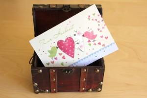 geldgeschenk in schatztruhe verpacken