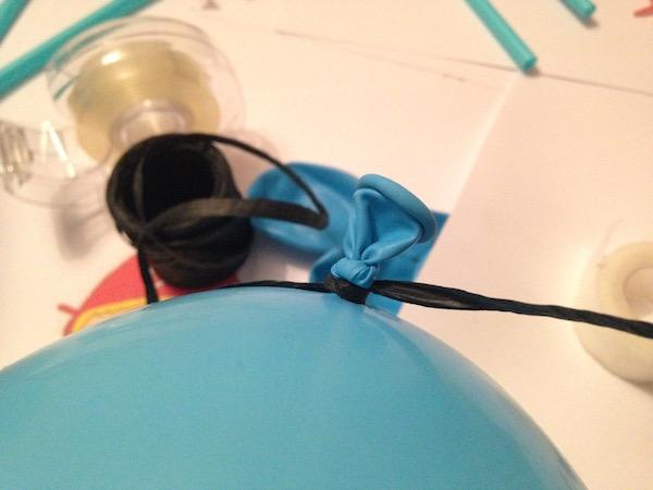 luftballon-aneinander-knoten-diy