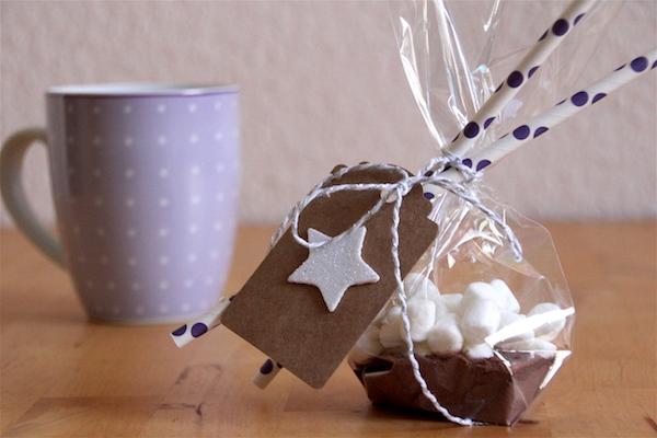 """""""Heiße Schokolade mit Mini-Marshmallows Mix"""" verschenken"""