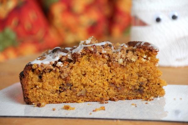 Pumpkin Cake - Kürbiskuchen mit Pecannüssen & Streuseln