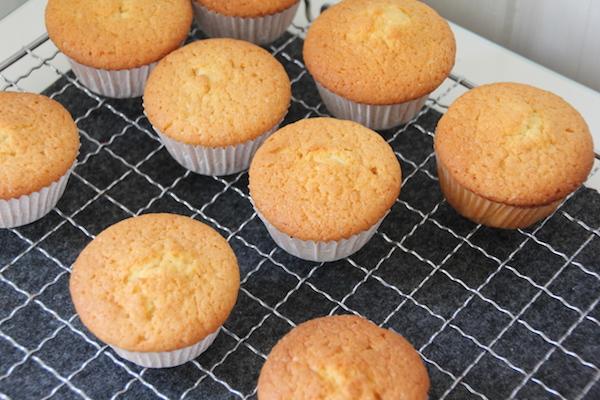 Schaf Muffins aus Zitronenteig