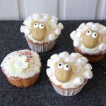 Schaf Muffins mit Marshmallow Topping