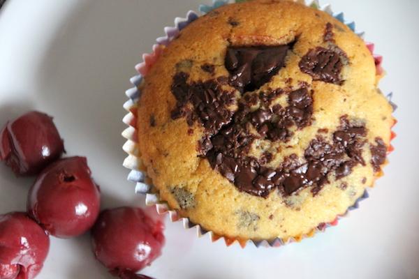 Kirsch Muffins mit Schokosplittern mit Puddingpulver