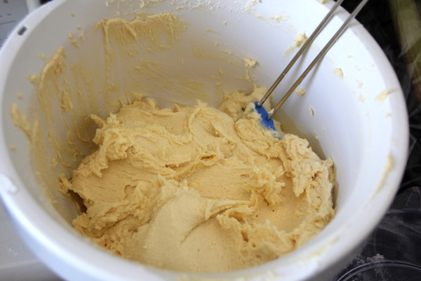 Schneller Rhabarberkuchen mit Eischnee Rezept