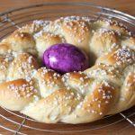 Rezept zu Ostern für süßen Osterkranz/ Hefezopf