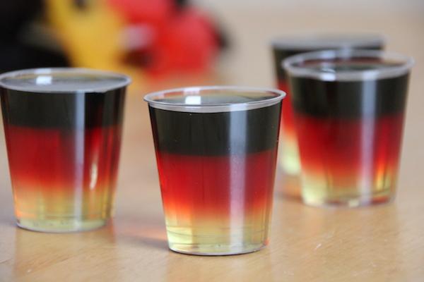 Deutschland WM Wodka Shots Rezept