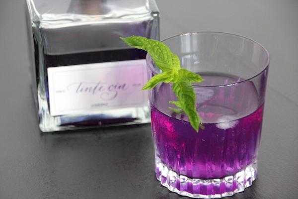 Tinte Gin lilafarbener Gin